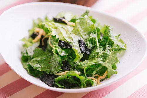 コレステロール値を下げるセサミノールが豊富なごま油風味のサラダ