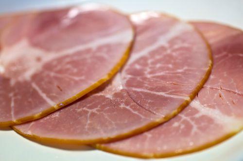 ビタミンB2が豊富な肉類、ハムの写真